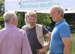 Ludger Strotdrees im fachlichen Austausch mit Kammer-Berater Franz-Josef Lintzen, Foto: C. Hof-Kautz, LWK NRW