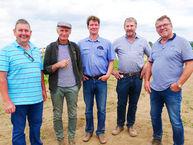 Waren sich einig, dass sich der weite Weg nach Frankenhausen gelohnt hat: Die Biolandwirte aus NRW Udo Gillessen, Bernd Großweege, Berthold Grütter, Bernd Heggemann und Johannes Spronk.