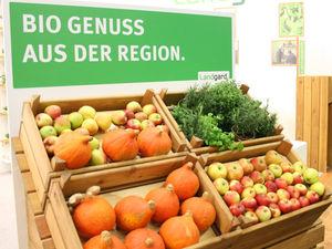 Regionales Bio-Gemüse - Äpfel, Kürbisse, Kräuter - auf der Biofach 2016